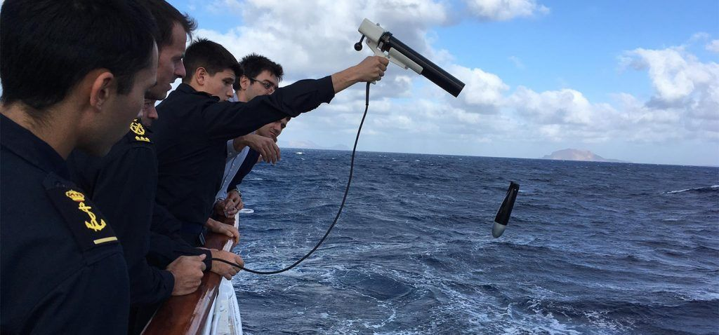 Noticia IHM y UCA realizan la instrucción de los guardiamarinas del Elcano en la travesía Cádiz – Gran Canaria dentro del proyecto 'Bandera 1519'