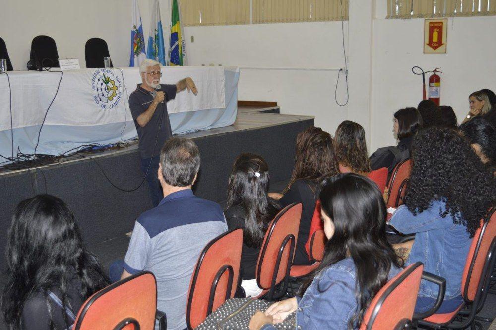 Professor José Pacheco fala sobre desafios das universidades brasileiras - UFRRJ