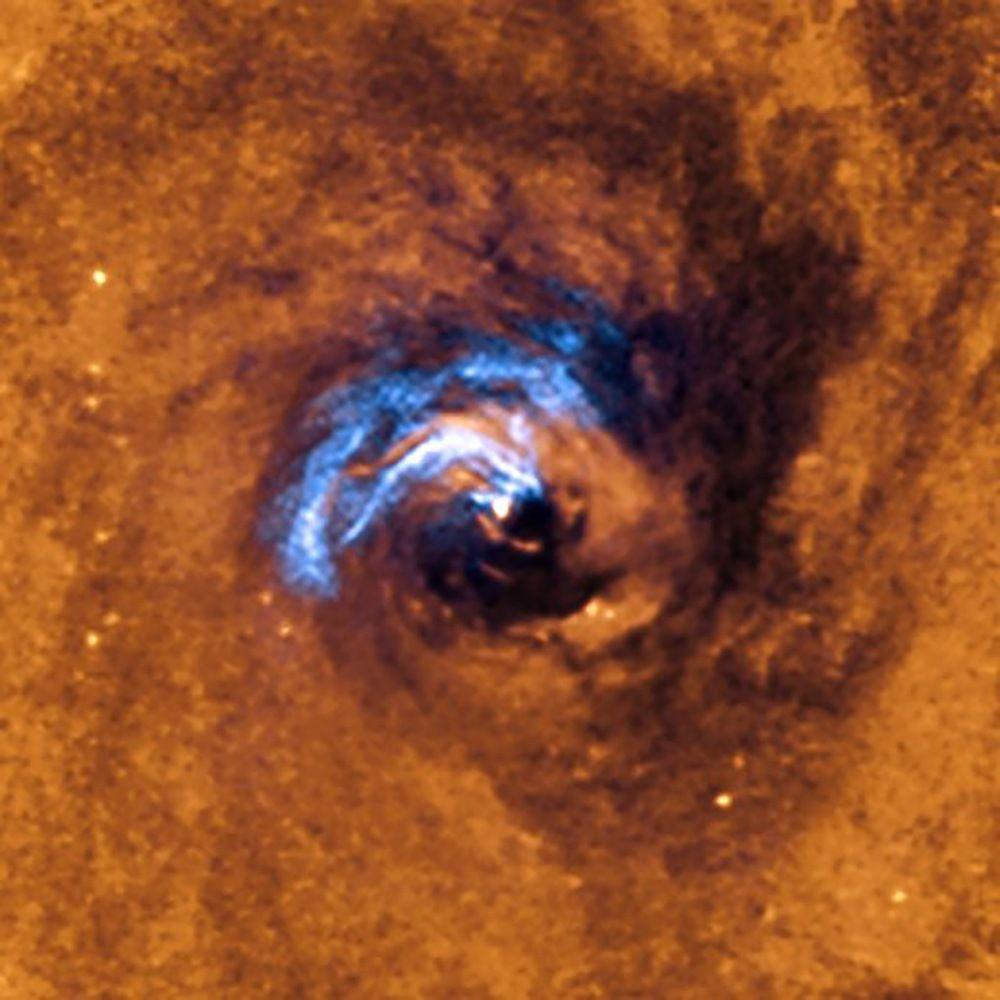 Investigadores del IAC y la ULL descubren cómo se alimenta un agujero negro